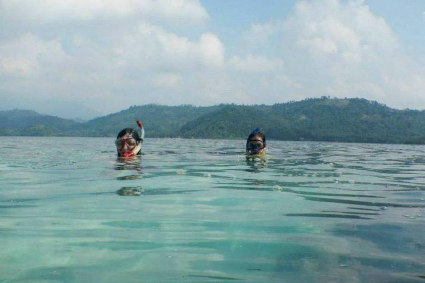Hunting Nemo in Pahawang island, Sumatera